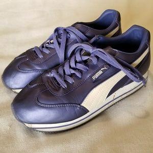 90s Purple Puma shoes, Size 10